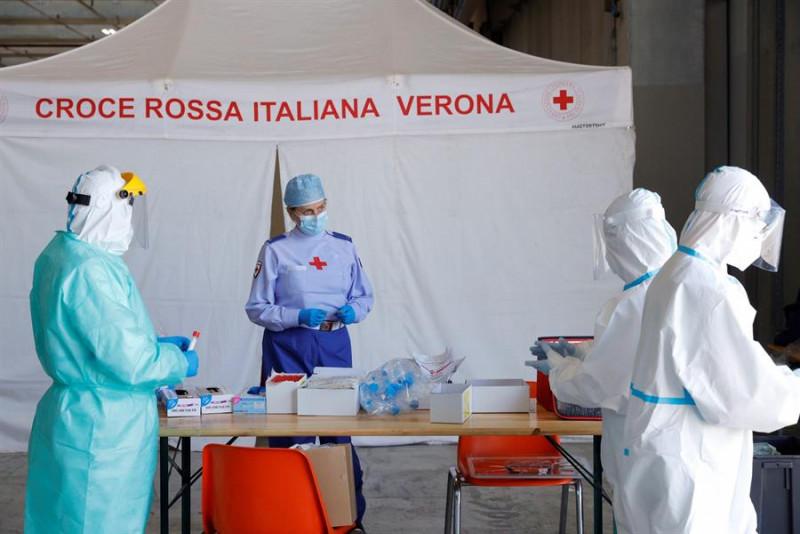 La OMS confirma más de 2,5 millones de casos globales y 175.000 muertes