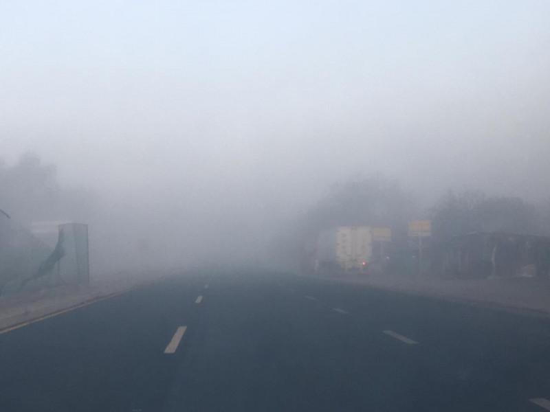 Densa neblina cubre Mazatlán