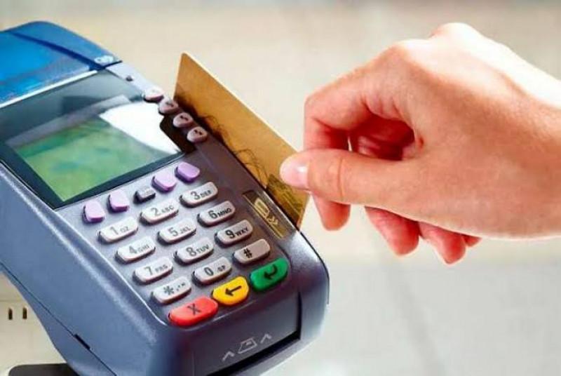 Incrementan inconformidades en manejo de tarjetas ante CONDUSEF