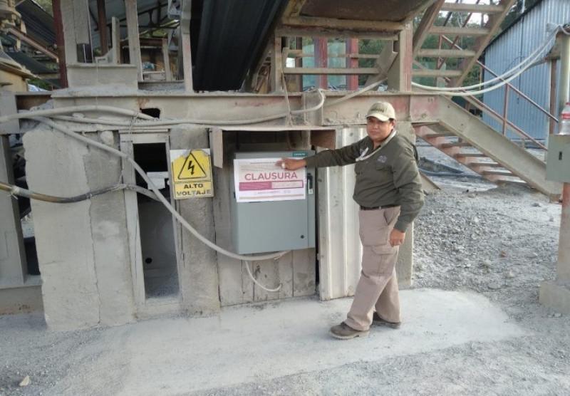Clausuran mina de plomo y zinc en Durango