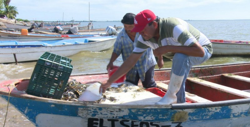 Gobernador de Sinaloa reafirma su compromiso con el sector pesquero