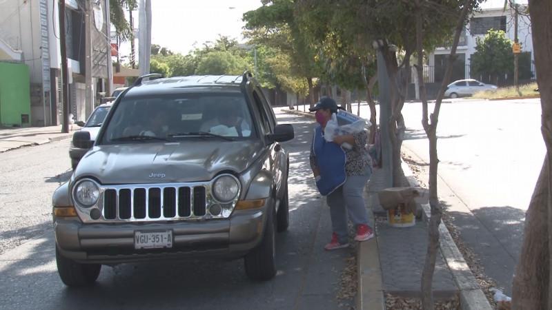 María Alejandra debe salir a trabajar para poder llevar alimentos a su familia