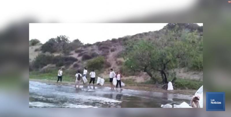 Limpian isla huivulai despues de semana santa