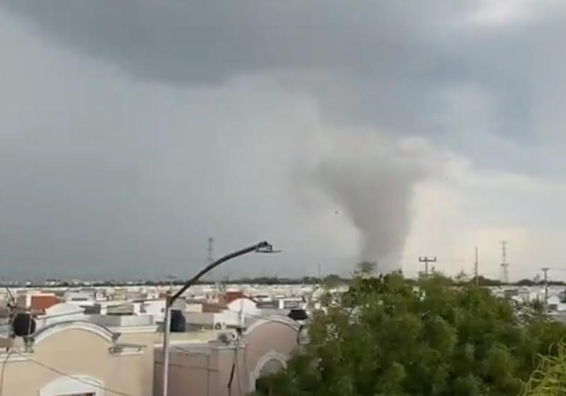 Tornado en Nuevo León causa la muerte de una mujer. Te mostramos videos del desastre