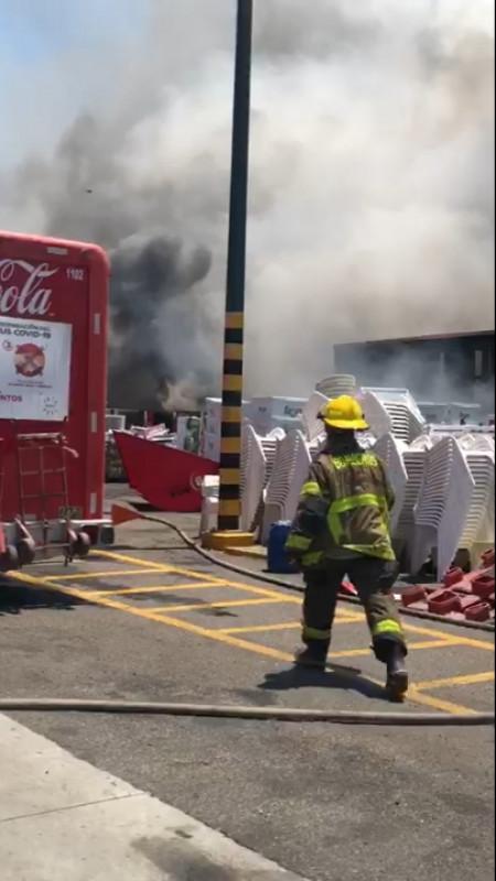 En pleno Día de las Madres, se registra incendio en Mazatlán