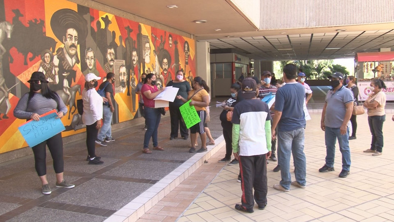 Ambulantes, artesanos y tiangueros solicitan apoyos emergentes para enfrentar la cuarentena