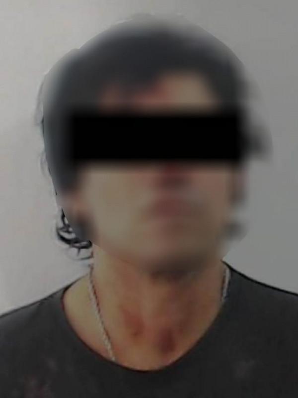Detienen a hombre que circulaba en vehículo robado