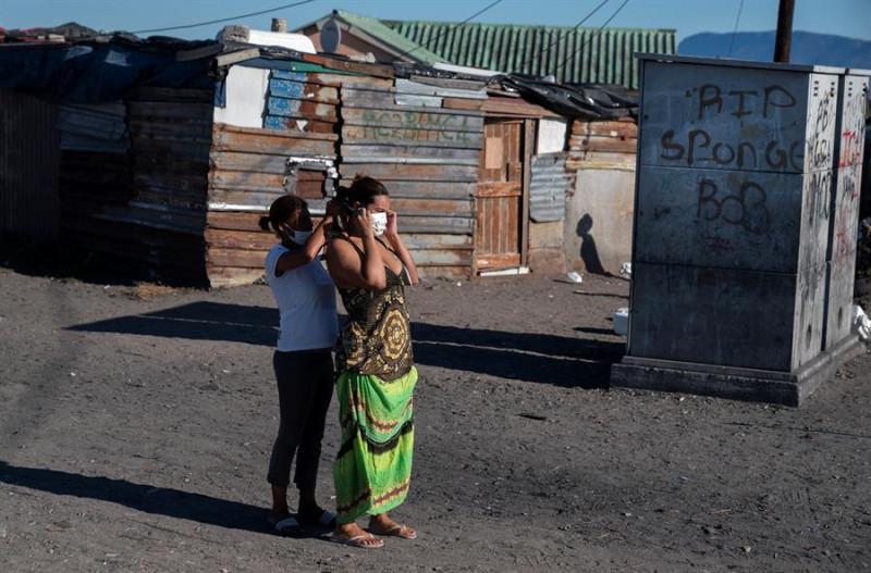 """El coronavirus podría convertirse en un virus endémico y """"no irse nunca"""", advierte la Organización Mundial de la Salud"""