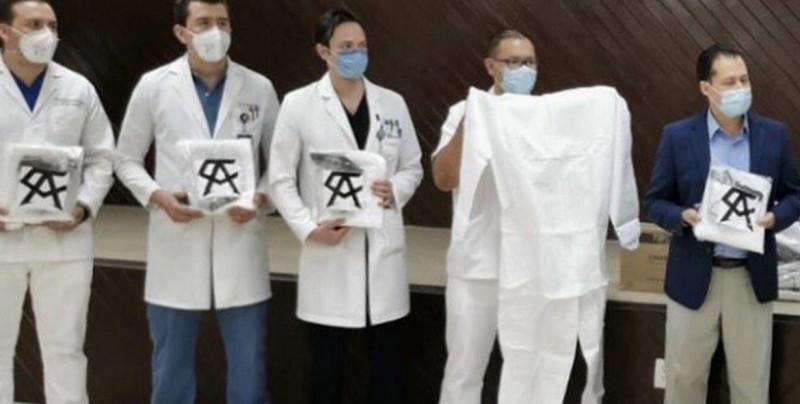 """""""Canelo"""" Álvarez realiza donativo a trabajadores de la salud"""