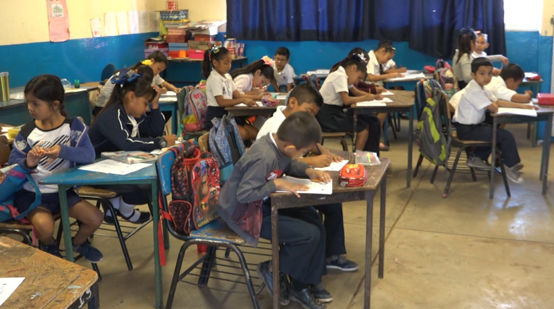 Pese a dificultades, docentes buscan continuar con ciclo escolar