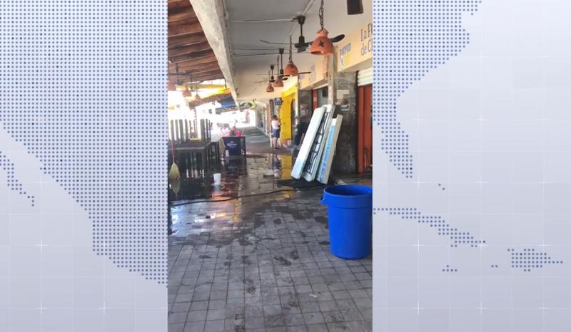 Realizan labores de limpieza en negocios de Olas Altas