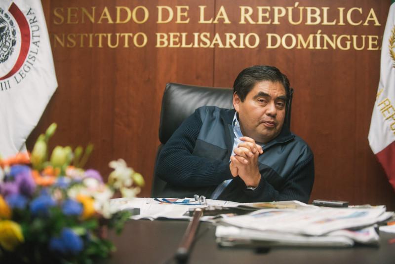"""""""No regresarán los alumnos al ciclo escolar [...] Todos están aprobados"""": Gobernador de Puebla"""