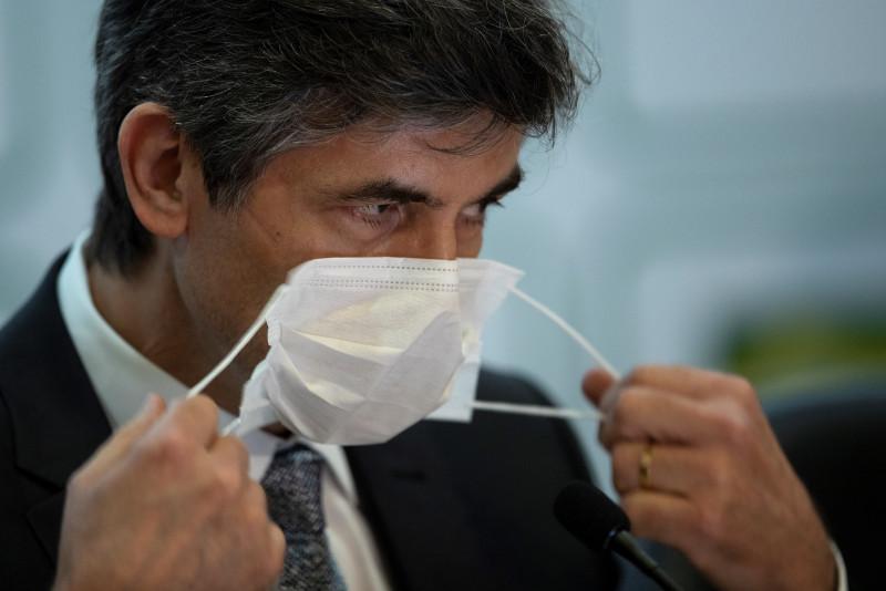 Otra vez...Brasil se queda sin ministro de Salud en plena pandemia