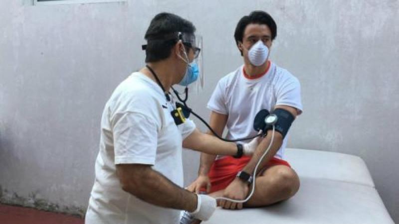 Jugadores de Chivas se realizan pruebas del COVID-19