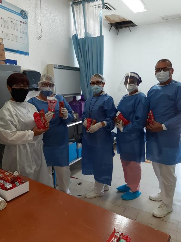 Colectivo de enfermeras del HGC entregan equipo de protección a compañeras