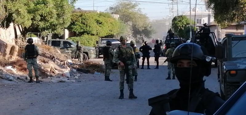 Aseguran camioneta abandonada en la colonia Guadalupe Victoria