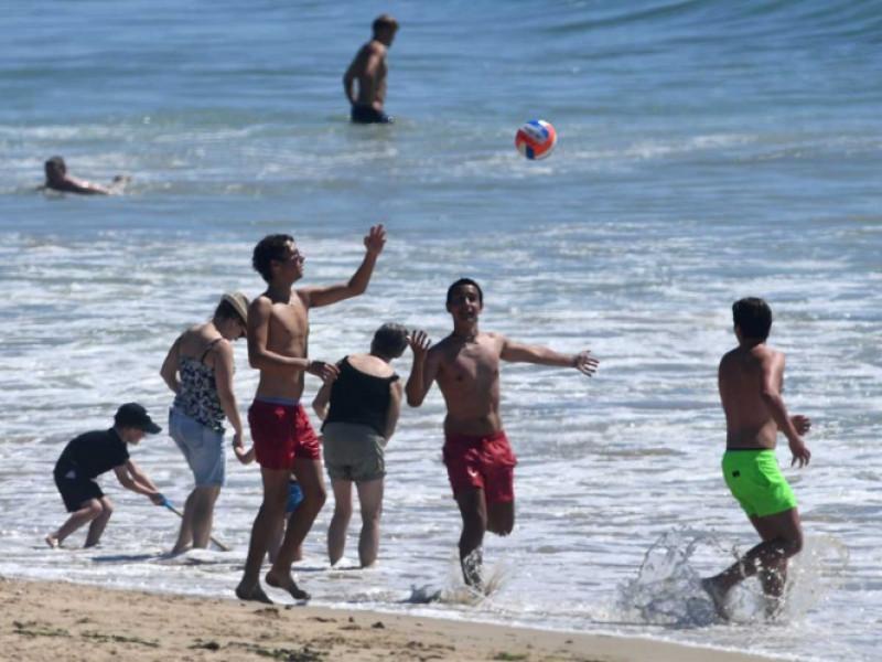 Volverán a cerrar playas en Francia porque la gente no respeta las distancias y medidas recomendadas