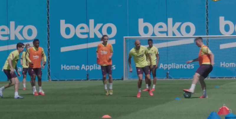 Barcelona volvió a entrenar este miércoles en grupos