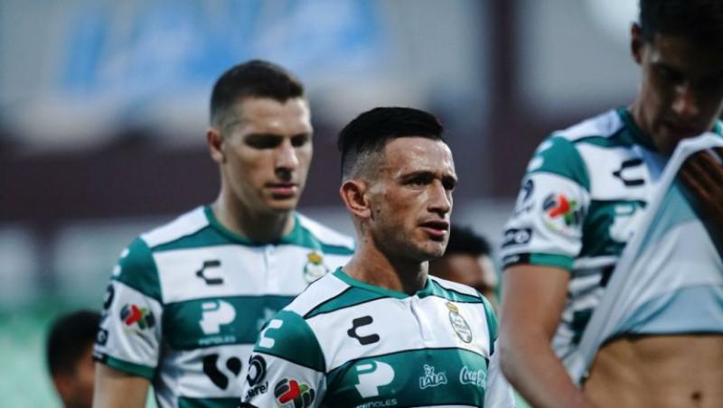 Cuatro jugadores más de Santos dan positivo al COVID-19