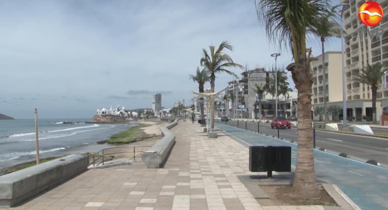 Ciudadanos continúan renuentes y acuden a playas locales