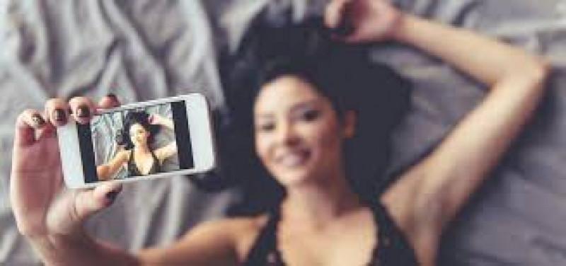 Recomiendan no practicar sexting en cuarentena