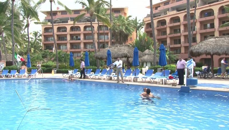 "Gobernador anuncia ""en planes"" la reapertura de hoteles en Mazatlán"