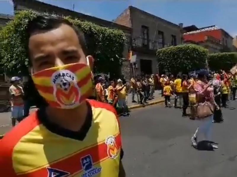 Marchan en Morelia para que no se lleven su equipo de futbol a Mazatlán