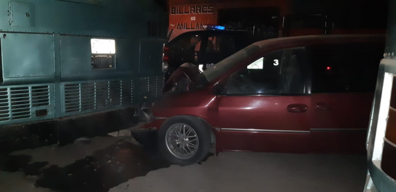 Accidente en Escuinapa deja una persona lesionada y daños materiales múltiples