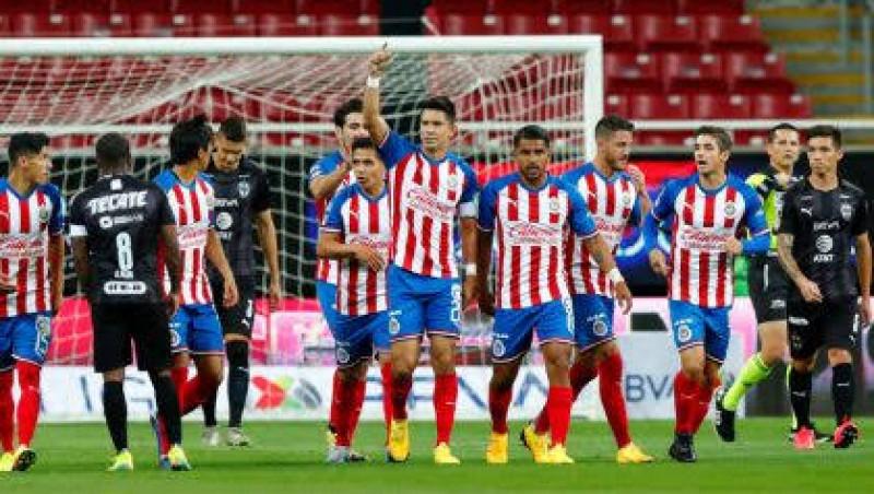 Jugadores de Chivas rompen filas