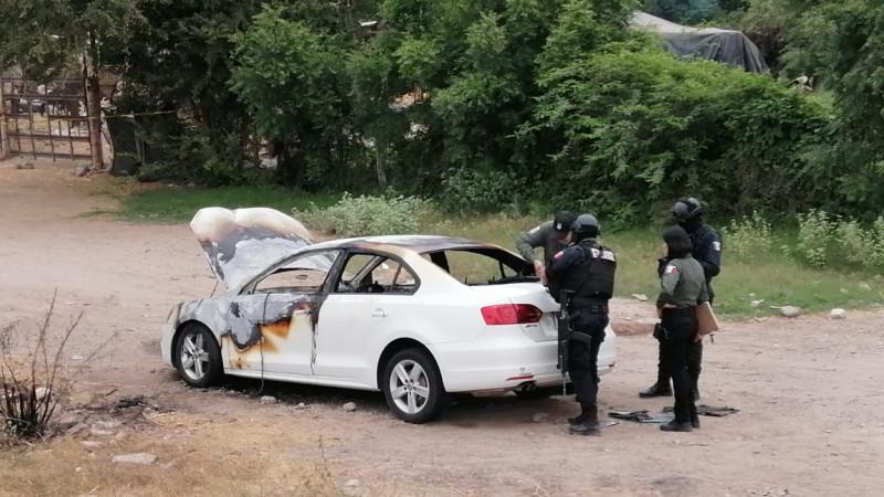 Localizan automóvil quemado