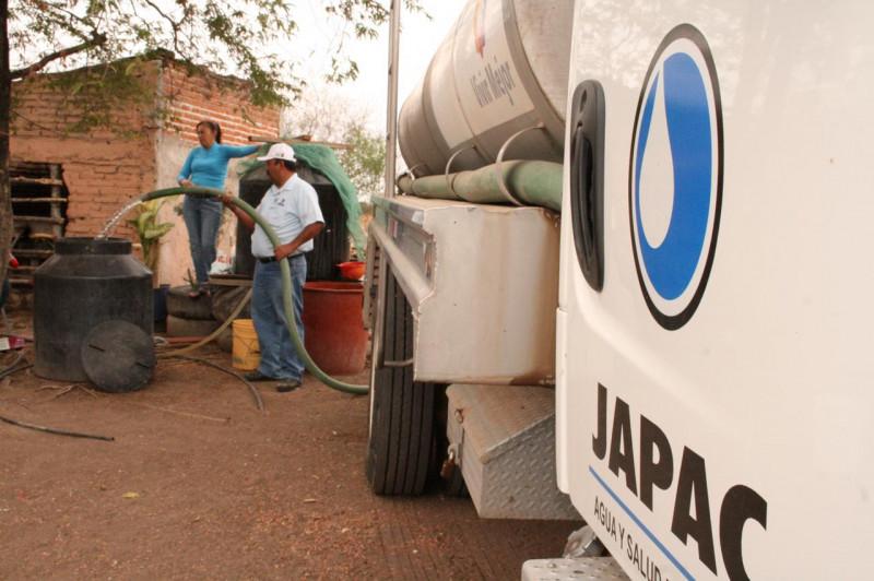 Atienden 28 comunidades por estiaje en Culiacán