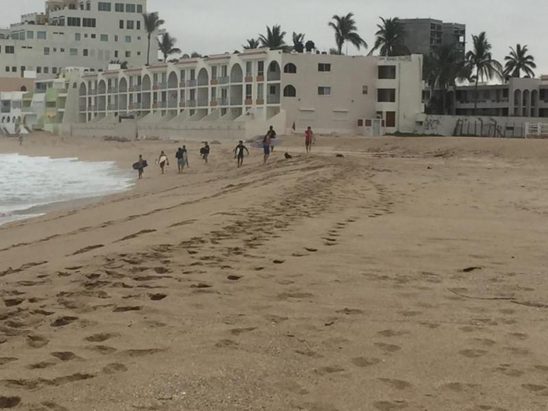 7,192 personas invitadas a retirarse desde el cierre de playas de Mazatlán