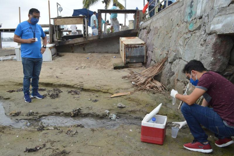 Reportan fuga de agua pestilente que llegaba al mar