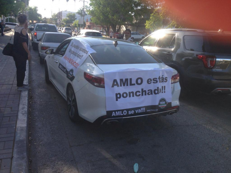 Mochitenses se unen a la caravana anti AMLO