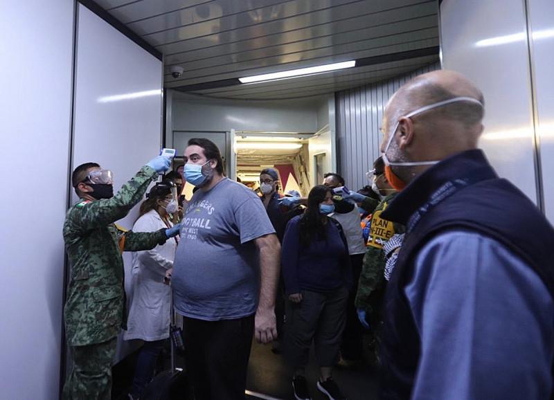 Repatrían desde Barbados a 321 mexicanos que trabajaban en cruceros