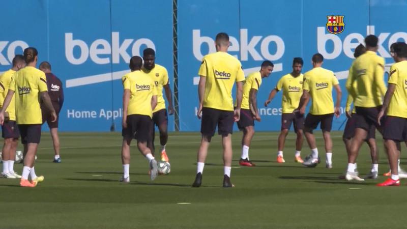 Dos dísa sin entrenar de Messi con sus compañeros