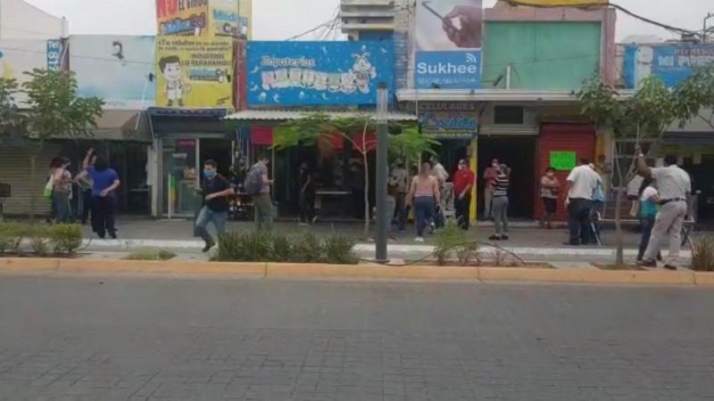 Comerciantes del centro truenan contra autoridades