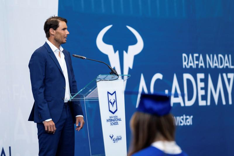 Rafael Nadal gradúa a 34 alumnos de su academia