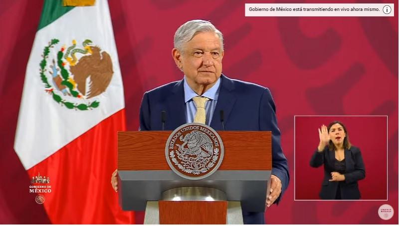 """La economía de México """"tocó fondo y va para arriba"""", afirma el presidente"""