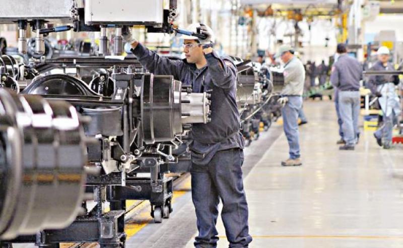 La producción industrial en México se desplomó 29,3 % en abril: INEGI