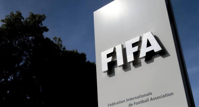 FIFA permitirá que futbolistas de inscriban en tres equipos