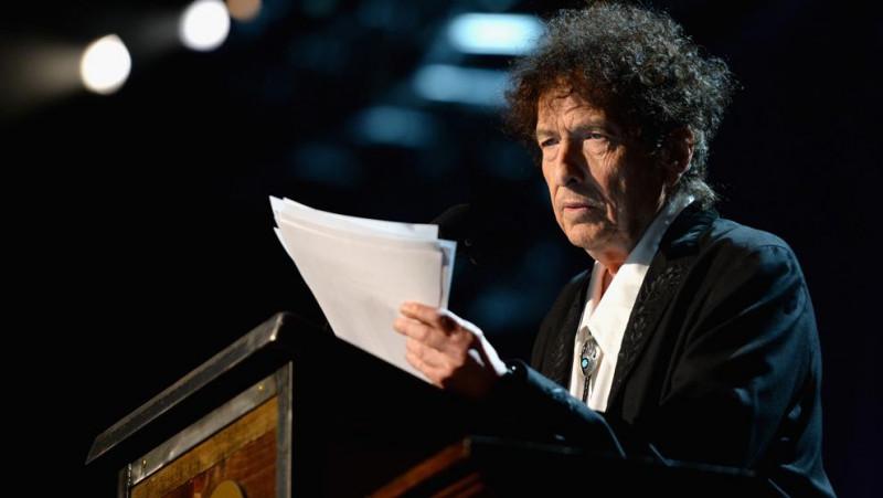 Bob Dylan ofrece su primera entrevista en 4 años y habla de la pandemia, el racismo y su proceso creativo
