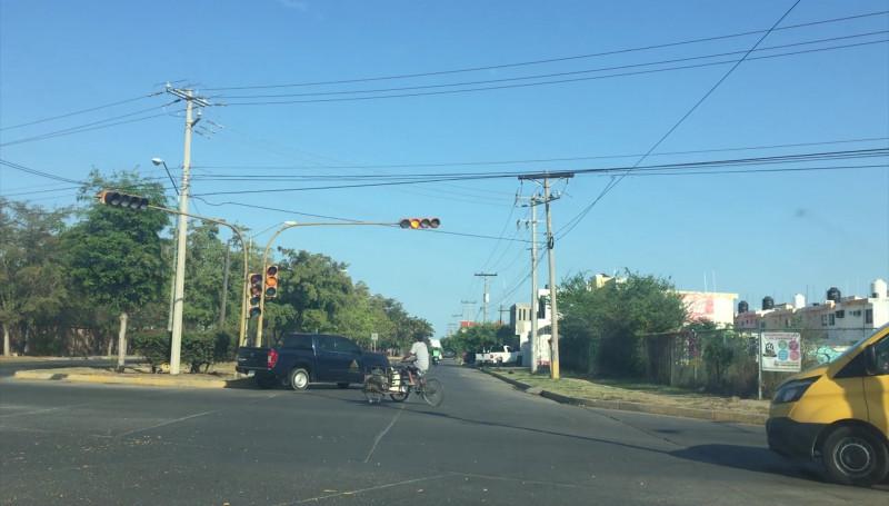 Semáforo no funcional podría generar un accidente vial
