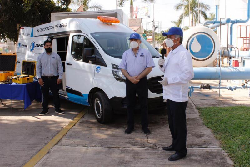 Ayuntamiento de Culiacán entrega camioneta de trabajo a JAPAC