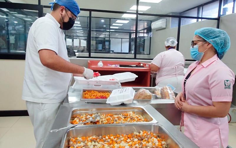 Personal de nutrición del IMSSen Sinaloa anima a pacientes Covid