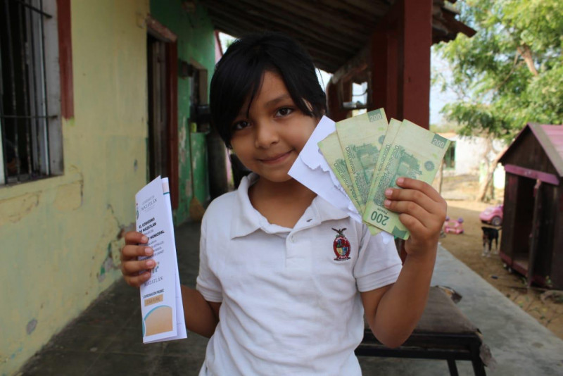 Arranca entrega de becas municipales para primaria