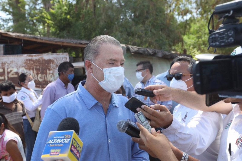 Llama gobernador a ser respetuosos de protocolos de salud
