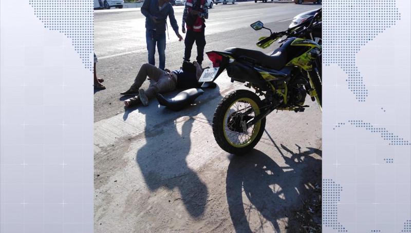 Accidente en la Colonia La Sirena, deja a un joven lesionado
