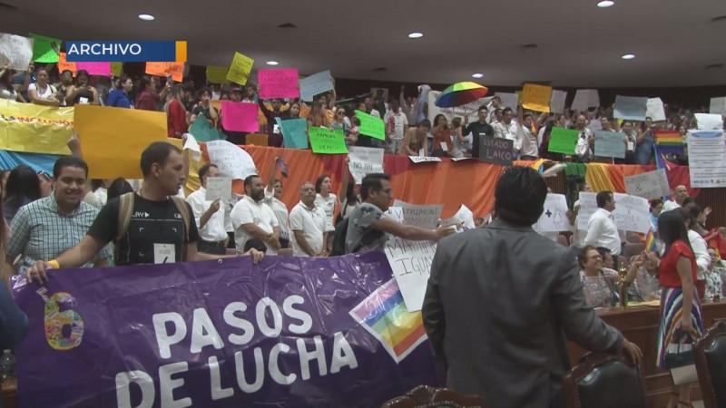Comunidad LGBTTTI advierten a diputados que recordaran su rechazo a Ley en las urnas