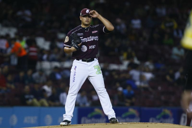 Manny Bañuelos al beisbol de Taiwan